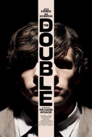 Si les gusta el cine de Jeunet, Gondry y Terry Gilliam no dejen pasar The Double del piola de Richard Ayoade (Submarine 2010) co...