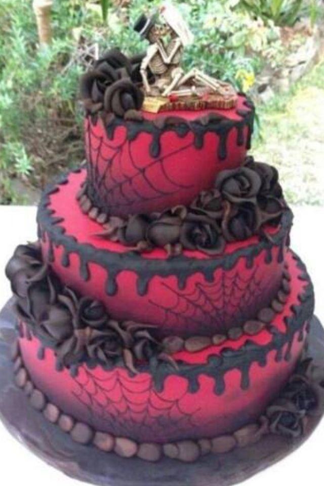 Pasteles Dark Gothic together with Elements Of Insanity The EOI 457744278 additionally 2048 Cakes And Cupcakes besides She Found You 490440758 moreover Vacker Bla Tarta Med Rosor. on vampire cupcakes